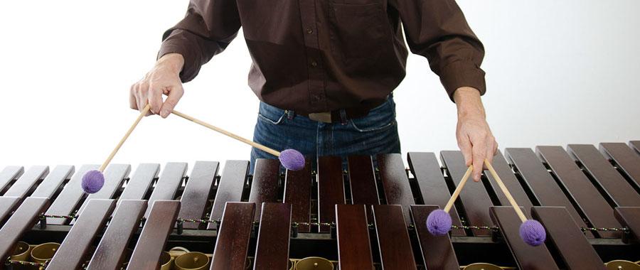 Manfred Menke an der Marimba