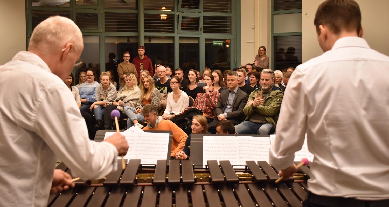 Weihnachtskonzert · zak!bum · Manfred und Jannes an der Marimba · 18. Dezember 2019