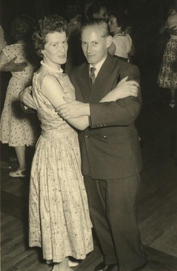 Eltern beim Tanz · 1950er Jahre